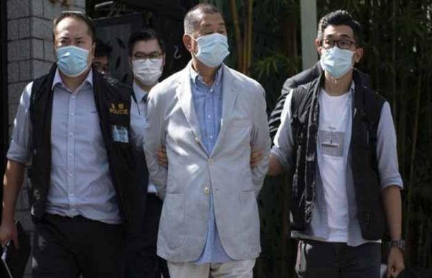 چینی حکومت نے متنازع سیکیورٹی قوانین کے تحت ہانگ کانگ کے انتہائی بااثر بزنس مین اور میڈیا ٹائیکون جیمی لے کو گرفتار کرلیا۔