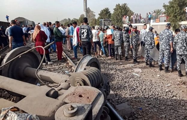 At least 32 dead, over 100 injured after train derails in Egypt
