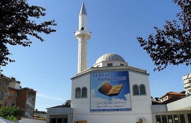 البانیہ میں چاقو بردار شخص نے مسجد میں اچانک نمازیوں پر حملہ کر دیا