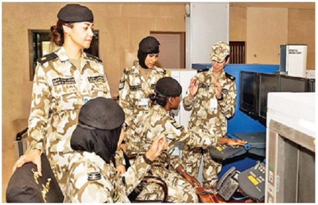 Kuwait allows women to serve military in combat roles